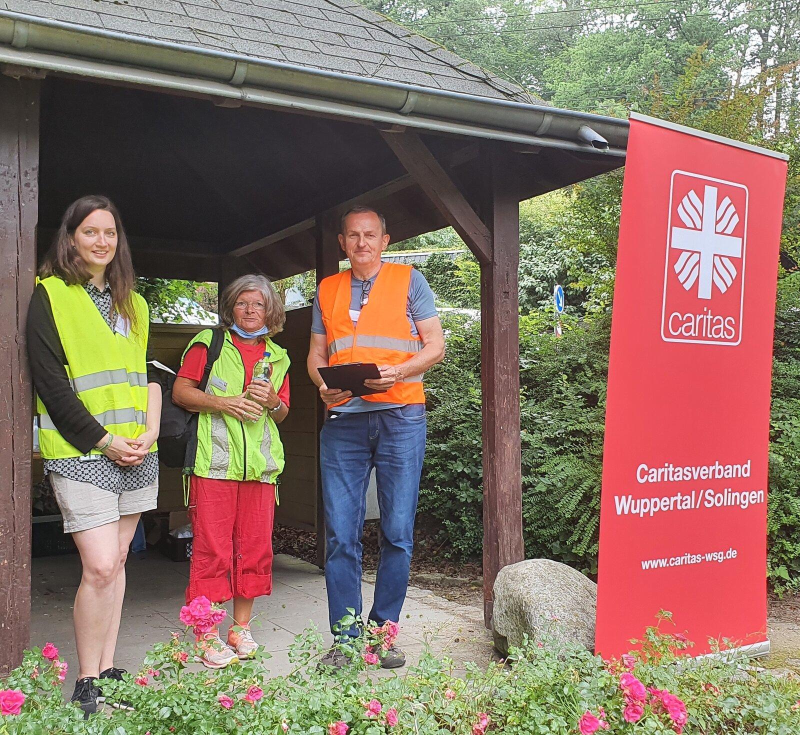 Kolegové z německé Charity pomáhají přímo v místě katastrofy. Foto: Caritasverband Wuppertal/Solingen